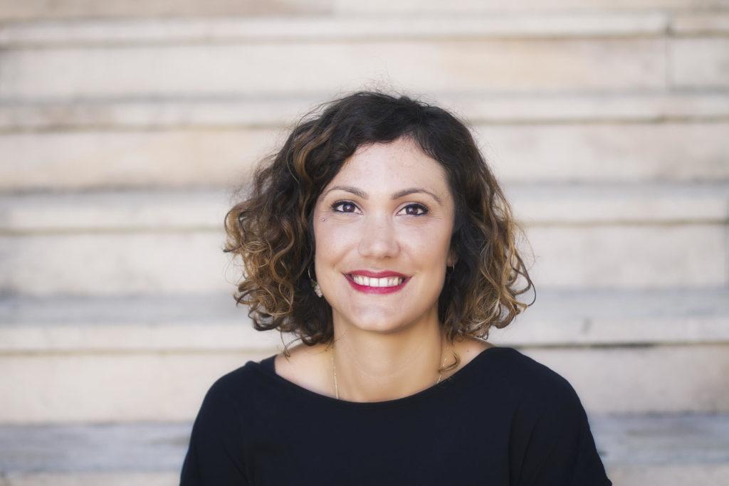Portrait Fauzia Dirat ergothérapeuthe et orthésiste